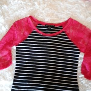 American Dream 3/4 hot pink lace top